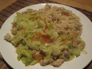 Groene curry met kippendijfilet, venkel en spitskool