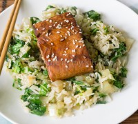 Teriyaki zalm met gebakken paksoi rijst